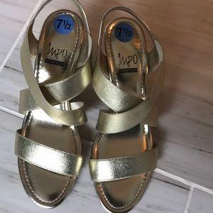Gold stretch sandals